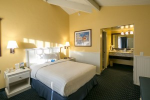 Monterey Bay Lodge - Standard Queen Room